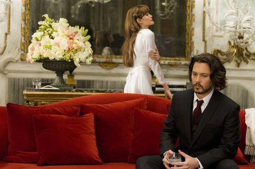The Tourist - Elise Ward & Frank Tupelo / Angelina Jolie & Johnny Depp