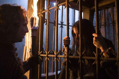 Le dernier des Templiers - Behmen & la fille / Nicolas Cage & Claire Foy