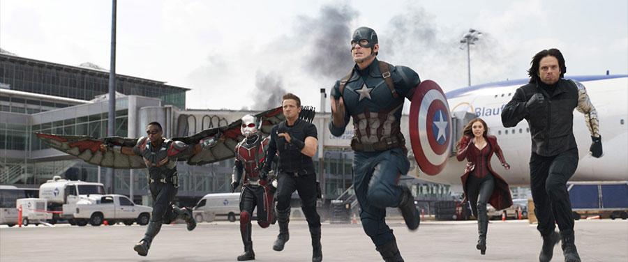 Captain America Civil War - Falcon, Ant-Man, Hawkeye, Captain America, Scarlet Witch & Winter Soldier / Anthony Mackie, Paul Rudd, Jeremy Renner, Chris Evans, Elizabeth Olsen & Sebastian Stan