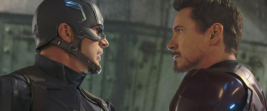 Captain America Civil War - Captain America & Iron Man / Chris Evans & Robert Downey Jr.