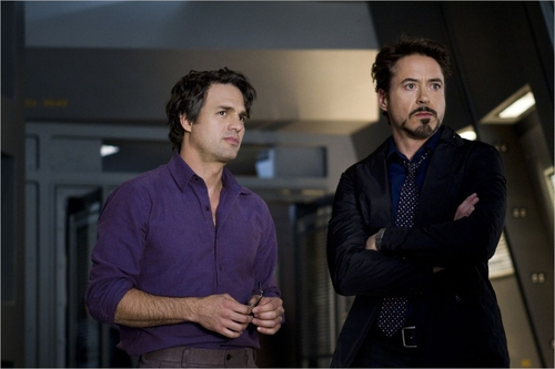 "Avengers - 04 - Bruce ""Hulk"" Banner & Tony ""Iron"" Stark / Mark Ruffalo & Robert Downey Jr."